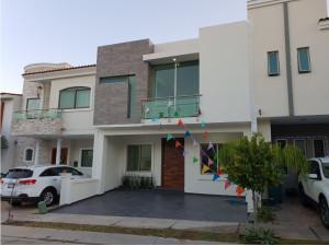 Casa 240-D en La Cima