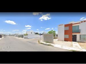 Casa en Los Héroes MX21-JT0318