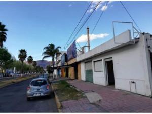 Amplio local en renta sobre blvd Everardo Marquez en Pa...