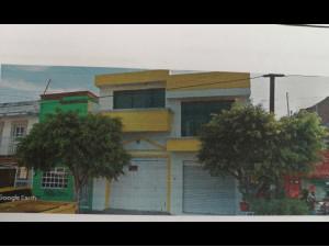 -CASA COL FELICITAS DEL RIO CON LOCAL COMERCIAL