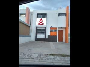 01518 VENDO CASA EN SAN JOSE DE POZO BRAVO.