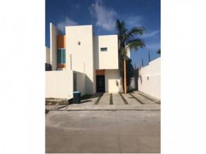 Casa en renta en Paraíso Tabasco, Ubicada en privada c...