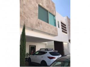 Casa en Renta con opcion a Compra  en Privada San Angel...