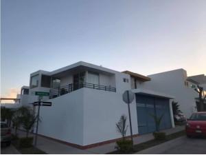 Increible Casa en Venta en Villa Magna, SLP.