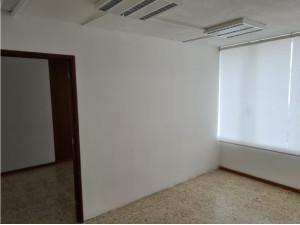 01878SE RENTAN OFICINAS UBICADAS EN AV.LOPEZ MATEOS.