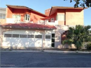Casa en venta en Puente de Bravo Lirio Este 212192RU