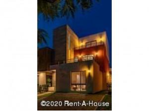 Casa en venta en Villas del Campo IS