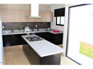 Casa en venta en Zibata Valle de Acantha 211215JL