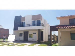 01273 vendo casa en residencial las plazas.