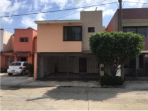 Casa en Venta Fracc. La Gloria tres recamaras en Villah...