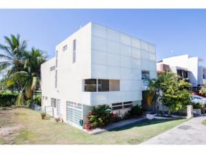 Casa de 425m2 en coto privado en exclusivo Marina Valla...