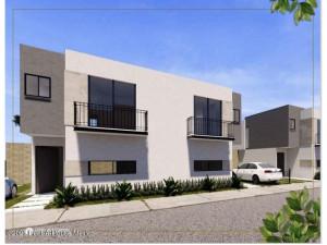 Casa en venta en Villas Del Campo Calimaya 212354RT