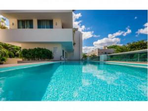 SE VENDE Edificio con Suites y Apartamentos en Playa de...