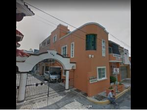 Casa en venta por re,ate bancario Boca del rio centro V...