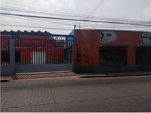 Renta de bodega con oficinas en Atizapán Centro