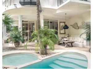 Villa de lujo en venta con alberca privada en Playacar