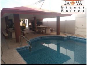 Venta Casa con Alberca Col. Coahuila JUAREZ, N.L.