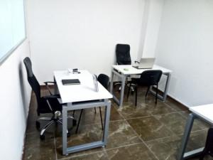 Increíble oficina con servicios y amueblada para 2 per...