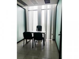 Oficina con servicios en Colima Centro